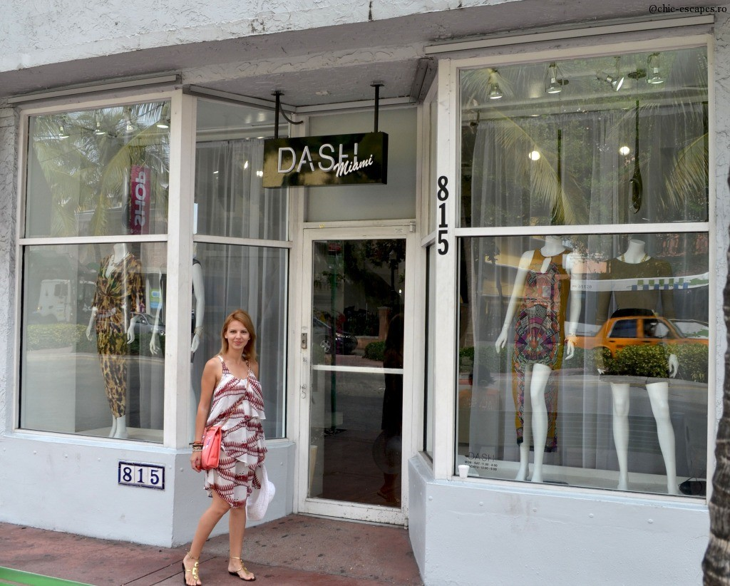 Not a day without shopping. A stop by at Dash Store. The picture was taken at their former location. the moved a few block away, not very far:)